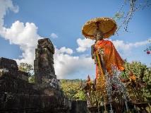 Vat Phou Mekong Cruise: surroundings