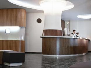 โรงแรมคุดัมม์ 101 เบอร์ลิน - เคาน์เตอร์ต้อนรับ