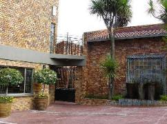 Chateau Vue Guesthouse | South Africa Budget Hotels