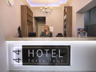 Hotel Fortyfour