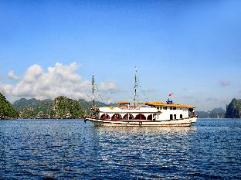 Paloma Charter Cruise | Halong Budget Hotels