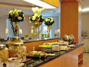翡翠花园酒店 棉兰 - 餐厅