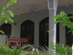 Lagoon villa Beruwala   Sri Lanka Budget Hotels
