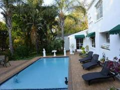 Waybury House | Cheap Hotels in Johannesburg South Africa