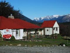 Tophouse Historic Guesthouse | New Zealand Budget Hotels