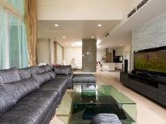Penthouse @ Wind Condo Sukhumvit 23 | Thailand Cheap Hotels