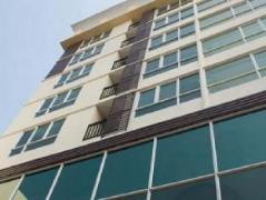 Zenith Place Condo Sukhumvit 71 | Cheap Hotel in Bangkok Thailand