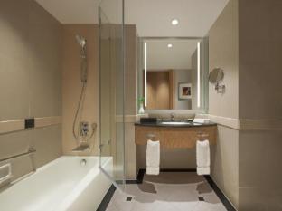 New World Shanghai Hotel Shanghai - Guest Room Bathroom