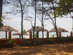 Golden Beach Cottage | Sri Lanka Budget Hotels