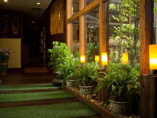 Bliston Suwan Parkview Hotel Bangkok - Therapeutic Massage by Na Gaya
