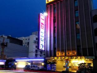 /benz-hotel/hotel/taoyuan-tw.html?asq=vrkGgIUsL%2bbahMd1T3QaFc8vtOD6pz9C2Mlrix6aGww%3d
