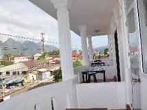Vang Vieng Boutique Hotel: balcony/terrace