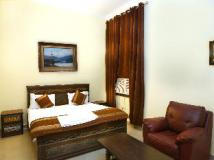 OYO Rooms - Noida City Centre Hotel: guest room