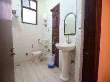 OYO Rooms - Noida City Centre Hotel: bathroom