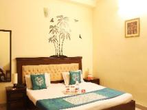 OYO Rooms - Noida City Centre Hotel: golf course