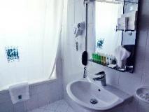 Dubai Nova Hotel: guest room