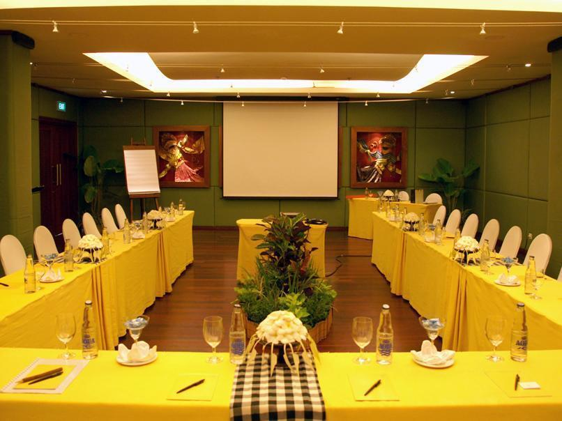 Maya Ubud Resort and Spa33