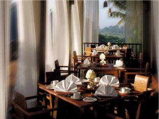 Maya Ubud Resort and Spa Bali - Restaurant