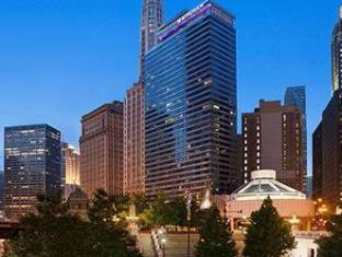 /wyndham-grand-chicago-riverfront/hotel/chicago-il-us.html?asq=5VS4rPxIcpCoBEKGzfKvtBRhyPmehrph%2bgkt1T159fjNrXDlbKdjXCz25qsfVmYT
