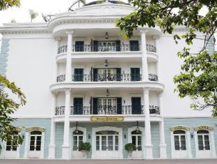 Rocks Hotel Macau - Hotel Exterior