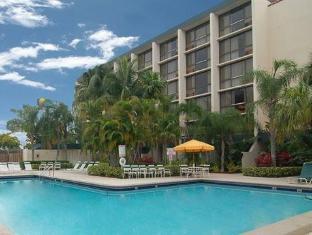 /ramada-west-palm-beach-airport/hotel/west-palm-beach-fl-us.html?asq=jGXBHFvRg5Z51Emf%2fbXG4w%3d%3d