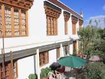 Hotel Mahay Palace: surroundings