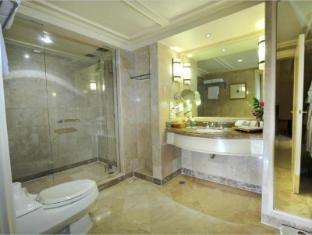 Hotel Borobudur Jakarta Jakarta - Bathroom