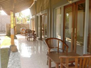 Pondok Dhevika Hotel