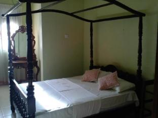 /de-de/albert-guest-house/hotel/galle-lk.html?asq=vrkGgIUsL%2bbahMd1T3QaFc8vtOD6pz9C2Mlrix6aGww%3d