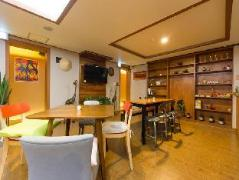 Joo House Guesthouse | South Korea Hotels Cheap