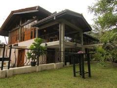 River Gardens Kandy Hotel | Sri Lanka Budget Hotels