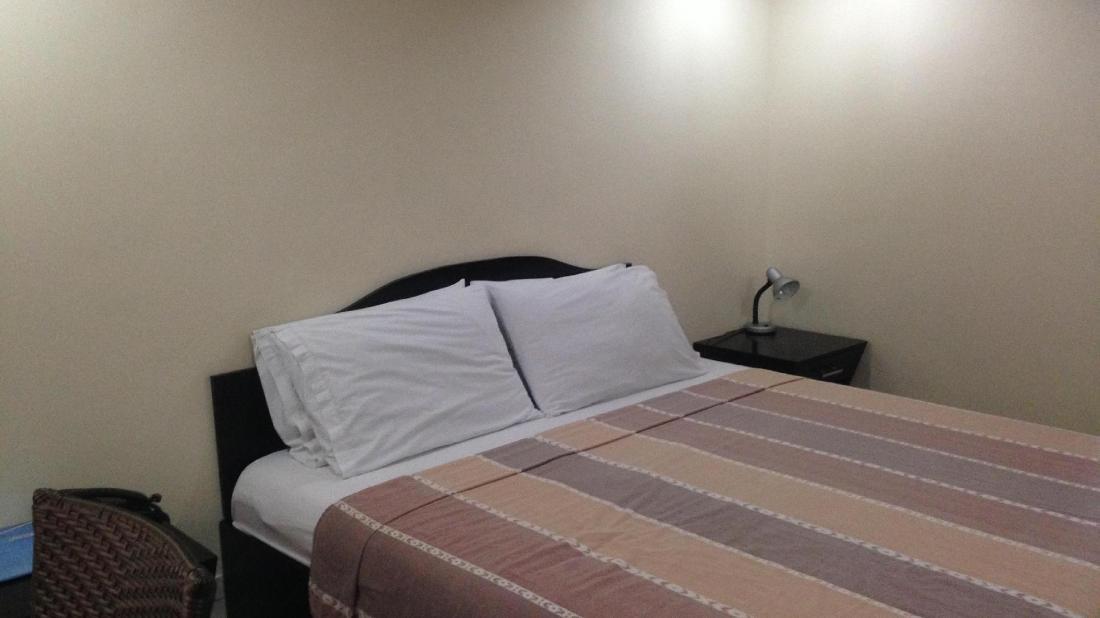 ブーメラン ホテル (Boomerang Hotel)