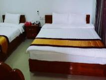 Mandalar May Hotel: guest room