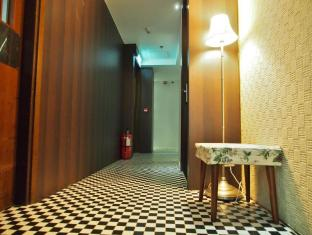 Bridal Tea House Hung Hom Gillies Avenue South Hotel Hong Kong - Hotel Corridor