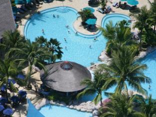 Nexus Resort & Spa Karambunai Kota Kinabalu - Swimming Pool