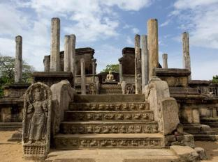 The Deer Park Hotel Sigiriya - Nearby Attraction