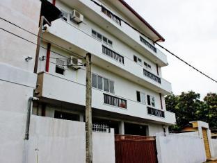 Tsuyoshi Residencies
