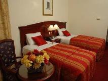 York International Hotel: guest room