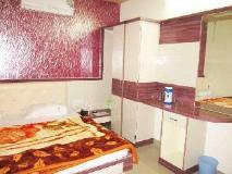 Hotel Mahatma Inn: guest room