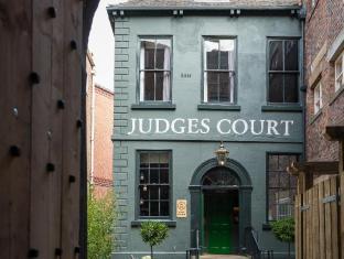 /ru-ru/judges-court-hotel/hotel/york-gb.html?asq=5VS4rPxIcpCoBEKGzfKvtE3U12NCtIguGg1udxEzJ7nZRQd6T7MEDwie9Lhtnc0nKViw1AnMu1JpKM9vZxUvIJwRwxc6mmrXcYNM8lsQlbU%3d