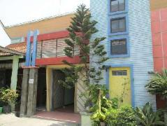 Larasati Hotel | Indonesia Budget Hotels