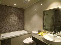 The Cloud Hotel: bathroom