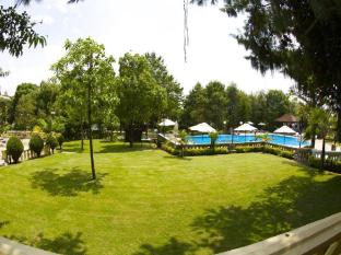 Park Village Hotel Kathmandu - Garden with Swimming Pool