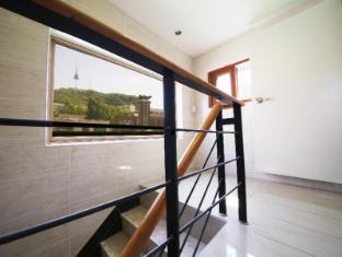 Gana Myongdong Guesthouse