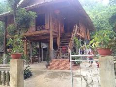 Sung Duan Stilt House | Vietnam Budget Hotels