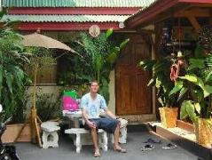 Pats House | Thailand Budget Hotels