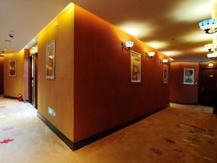 /ru-ru/shanghai-chi-chen-boutique-hotel/hotel/shanghai-cn.html?asq=m%2fbyhfkMbKpCH%2fFCE136qZWzIDIR2cskxzUSARV4T5brUjjvjlV6yOLaRFlt%2b9eh