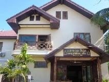 Sengahloune Villa: entrance