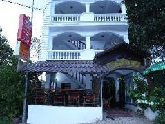 Out Of The Blue Guest House | Cheap Hotels in Sihanoukville Cambodia