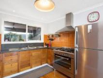 Elanora Holiday House: kitchen